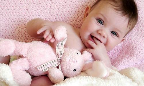 给宝宝选哪个版本爱他美好?各版本爱他美奶粉有什么区别?