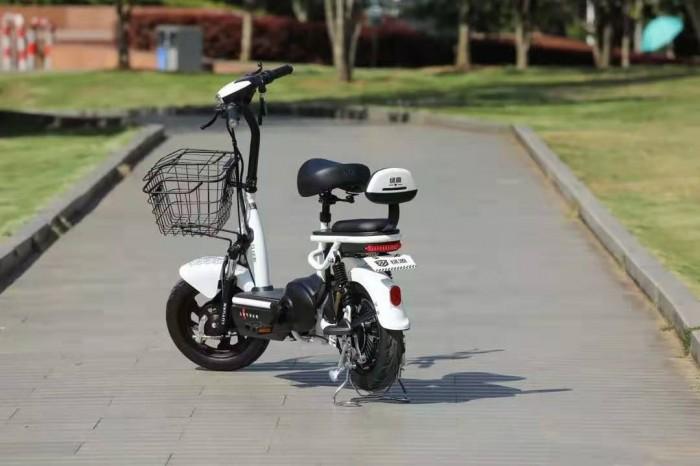 侧滑甩尾?轮胎被扎?绿源电动车帮你摆脱各种出行困扰