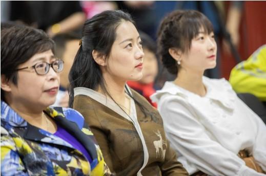 行走的汉风古韵:北京青少年群体上演中式校服设计大赛