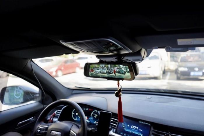 行車好助手:選擇70邁流媒體記錄儀,為安全駕駛護航!