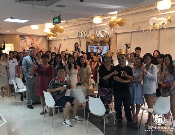 异国舞会派对盛大开启!华尔街英语广州学习中心带你趣味体验