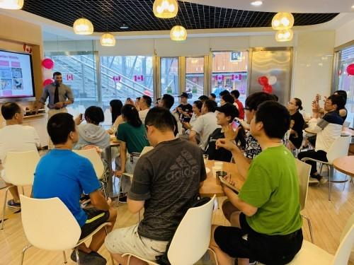 枫叶国文化知多少?华尔街英语北京学习中心启动主题派对