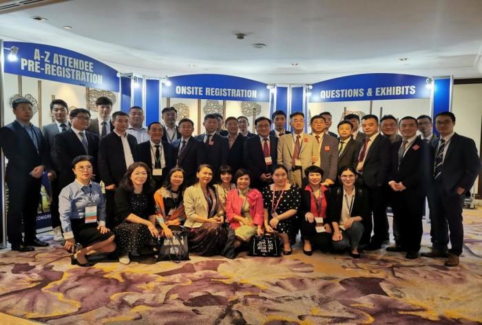 新生植发专家受邀参加第27届世界植发大会,与各国精英交流经验