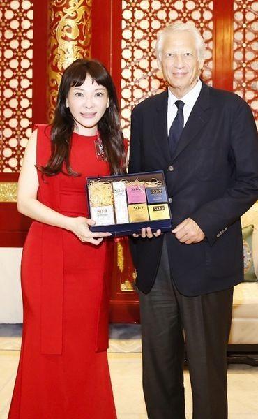 SO-9索尼国际化妆品出席中欧时尚品牌时装大秀