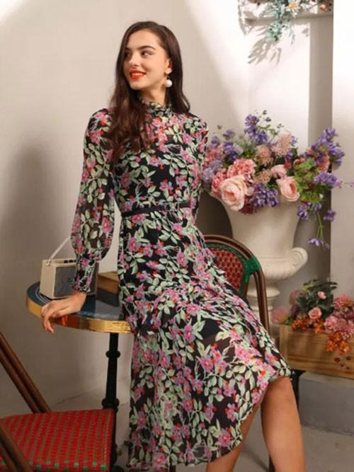 欧点时尚服饰 纯美中透着秀逸之气