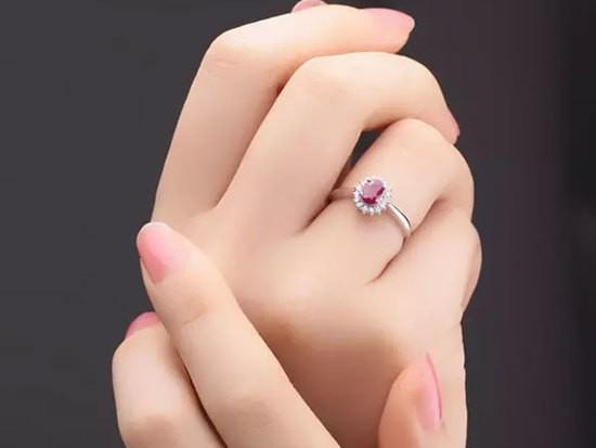 珠宝界的小米!易网通宝让奢侈不再奢望