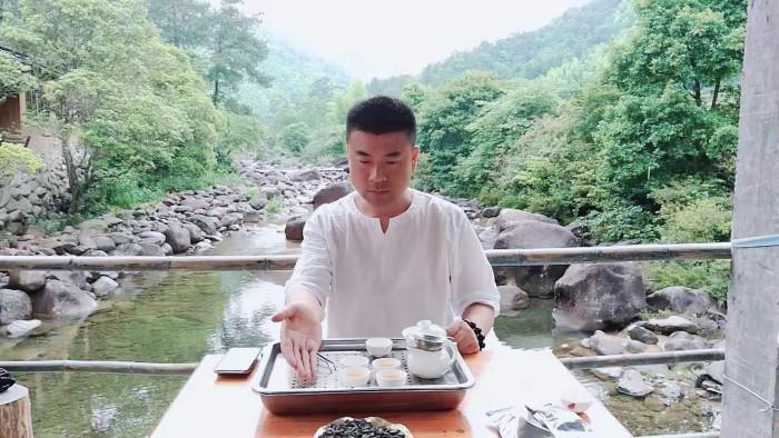 茶人茶修,多一道锋味---专访武夷岩茶传习人艺韵茶品牌创始人黄锋
