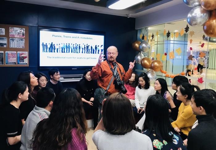 华尔街英语北京中心 温情节日里欢乐涌动