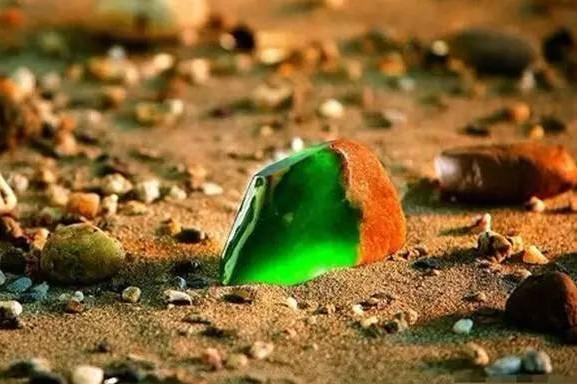 翡翠原石越来越有魅力,带你轻松玩转翡翠原石!