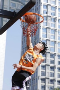 """快手科技与CBA联合举办的""""国民篮球在快手""""线下决赛在广东省东莞市正式拉开帷幕"""