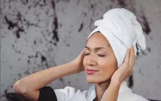 避开最不健康的3个洗头时间,远离脱发烦恼!