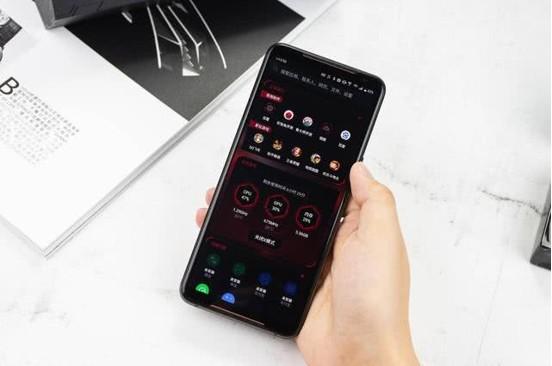 手机:玩游戏买什么手机好?好手机有三大标配特征!