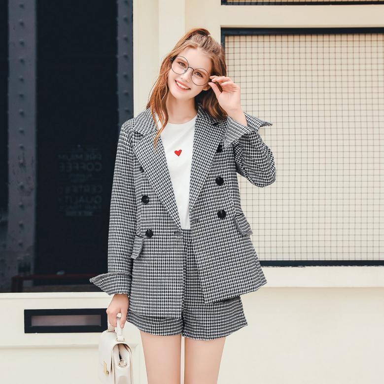 戈蔓婷品牌女装细节的极致追求满足爱美女性对完美服饰的追求