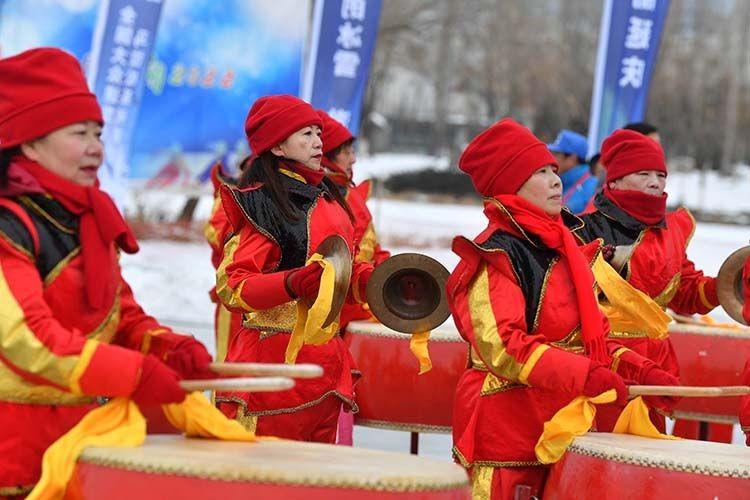 滑向2022——全国大众速度滑冰马拉松系列赛(北京延庆站)比赛在延庆区妫河东湖户外滑冰场举办