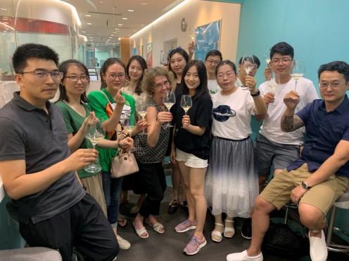 品酒Party火热上线!华尔街英语天津中心邀请VIP学员一同举杯