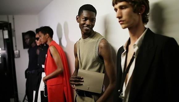 传巴黎时尚品牌AMI积极接洽投资人,Calvin Klein想挖走其创意总监