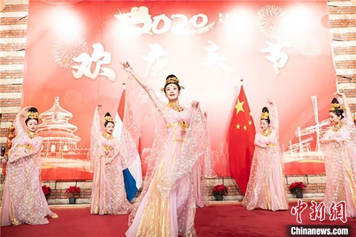 """甘肃丝路文化艺术赴""""一带一路""""沿线送""""欢乐春节"""""""
