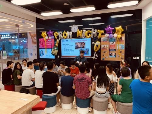 华尔街英语天津学习中心派对时光进行中,弥漫校园青春的气息