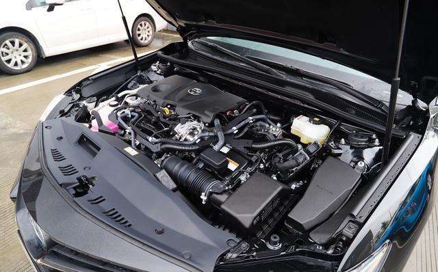 看什么凯美瑞,上汽大众帕萨特220马力油耗6.7L,不愧是百姓车王