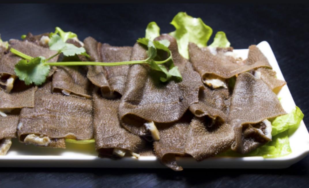 哪家牛肉火锅店吃深圳牛肚更放心?来八合里吧!