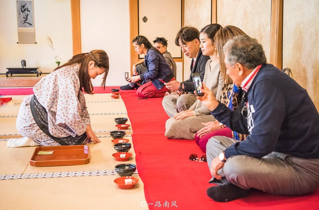 中国游客最喜欢的日本城市,曾经游人如织,现在一片萧条