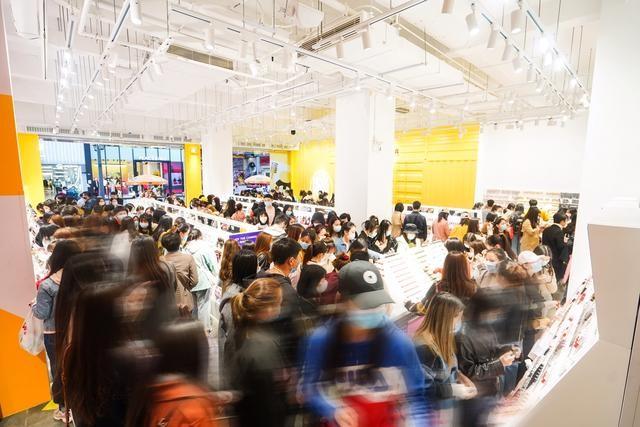 KKV首个旗舰店落户成都!当月销额超500万