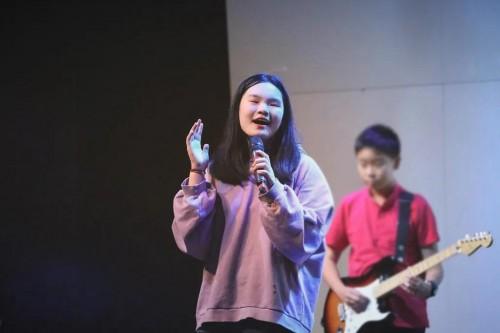 中音鼎石周六学校专访|李逸坤:两所学校,一个教会我成长,一个助力我的梦想