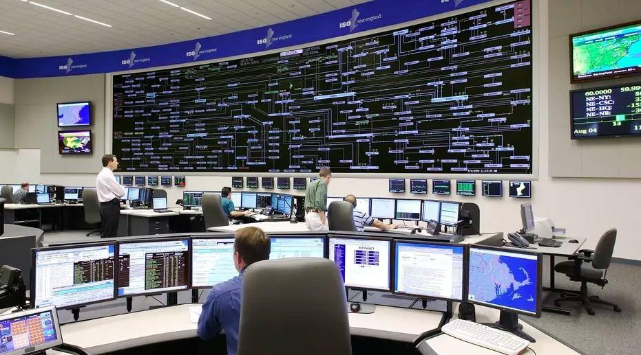 光纤KVM在高端控制室中的应用场景.jpg