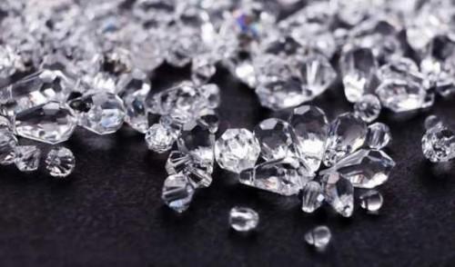 星钻科技:钻石行业缓慢复苏 珠宝消费倾向线上交易模式