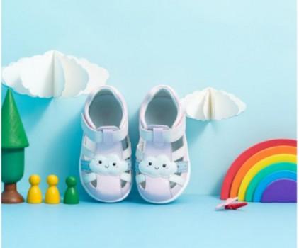 闷热夏季,学步鞋里的小脚丫也要透透气