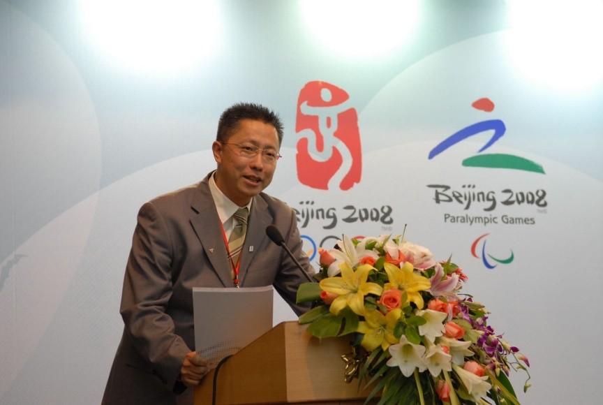 李阳用疯狂英语培训了10万奥运会志愿者
