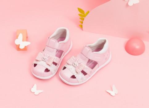 孩子夏季不愿穿鞋?可能是你没选对学步鞋!