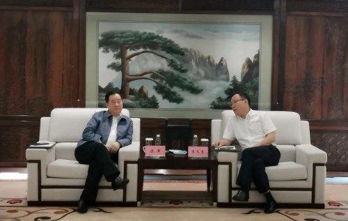 新华联集团总裁傅军与四川发展董事长李文清会谈