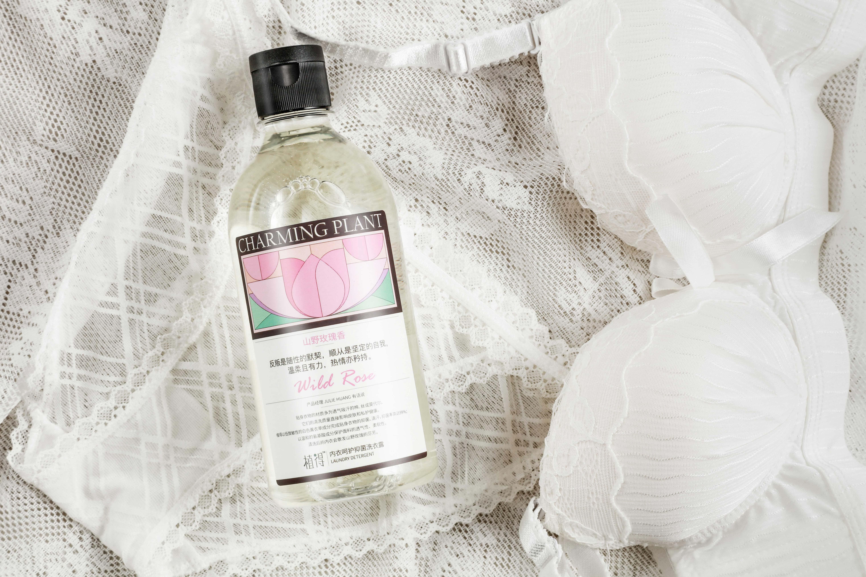 一瓶多用,解放双手,呵护私处 植得内衣呵护抑菌洗衣露