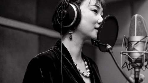 胡璧君单曲《泡沫中的海洋》全新发布,听醉耳朵
