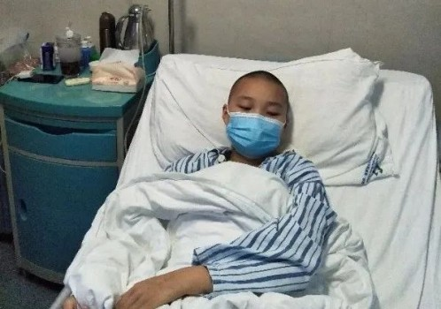 重庆16岁花季少女突患白血病 水滴筹爱心接力助其早日回校园