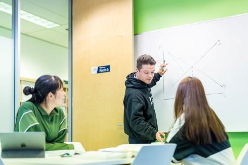 官宣 _澳大利亚国立大学现正接受预科课程2021年1月入学申请,千百努力,为你而来!