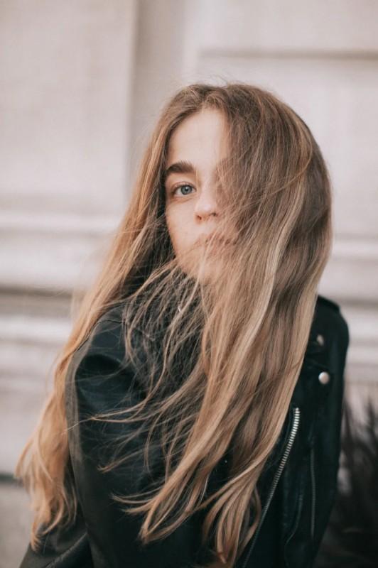 终结秋冬头发问题 丹姿丝维丽让你一梳到底