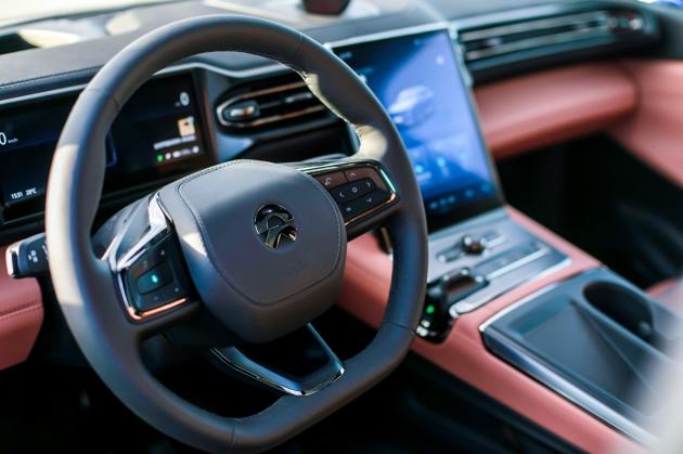 不止是颜值担当 试驾蔚来智能电动轿跑SUV EC6