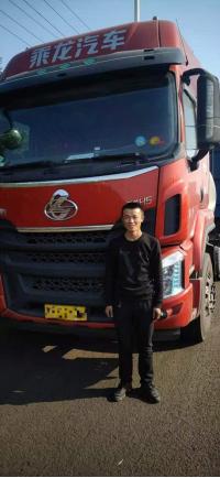 年轻后备力量加入运输大军!27岁小伙选乘龙H5!