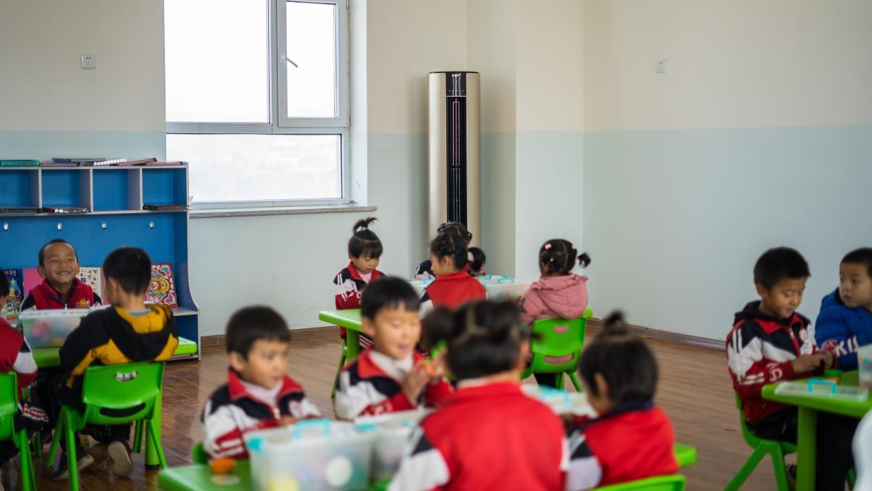 青海斜沟乡幼儿园:入冬用上Leader空调,20分钟达