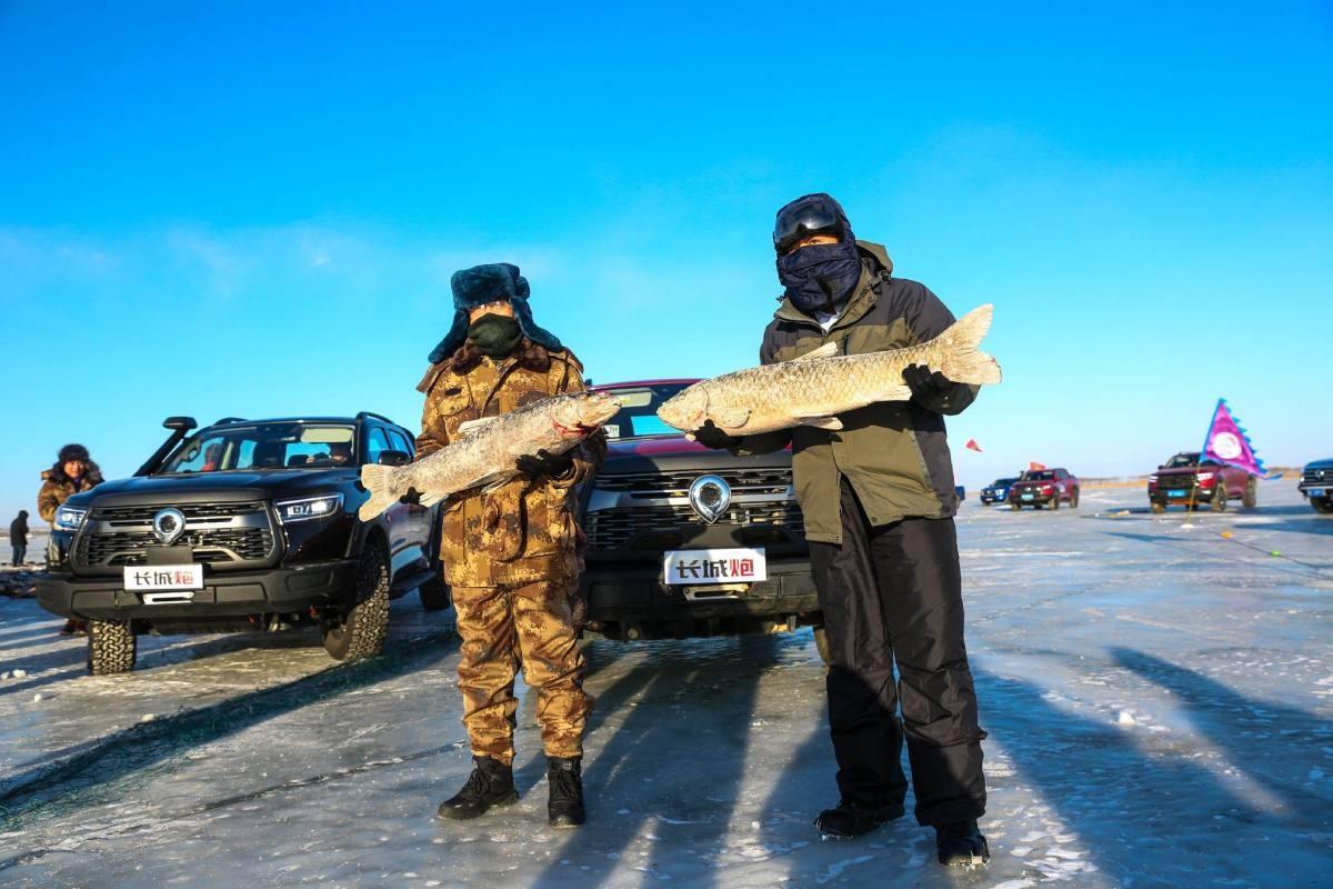 冰雪奇驭 玩在一起 长城炮携炮火联盟嗨翻查干湖冬捕季