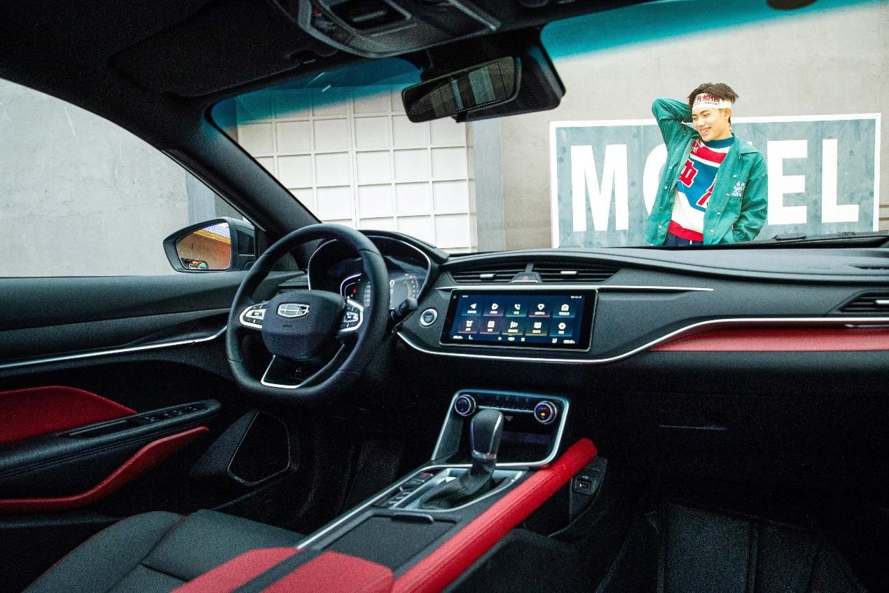 吉利汽车年度总销量破132万辆,100%完成目标,连续4年蝉联中国销冠