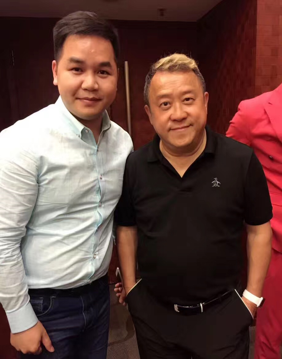 优秀青年企业家温振云先生与曾志伟先生因慈善结缘