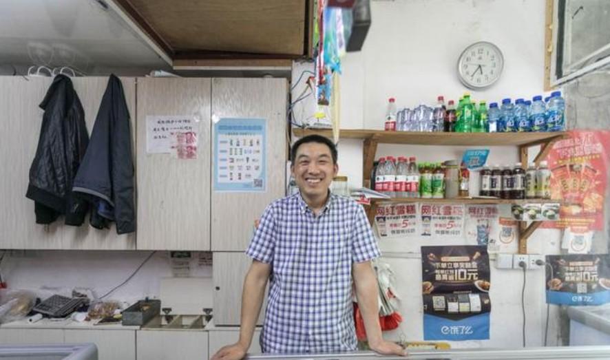 上海一家冷饮店在饿了么每天销售100箱雪糕