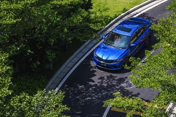 年前买车,卡罗拉双擎VS享域锐·混动怎么选?