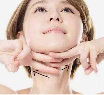 神仙姐姐颈部这一特点暴露了....芙艾医疗小艾告诉你颈部遇到这种情况该怎么办?
