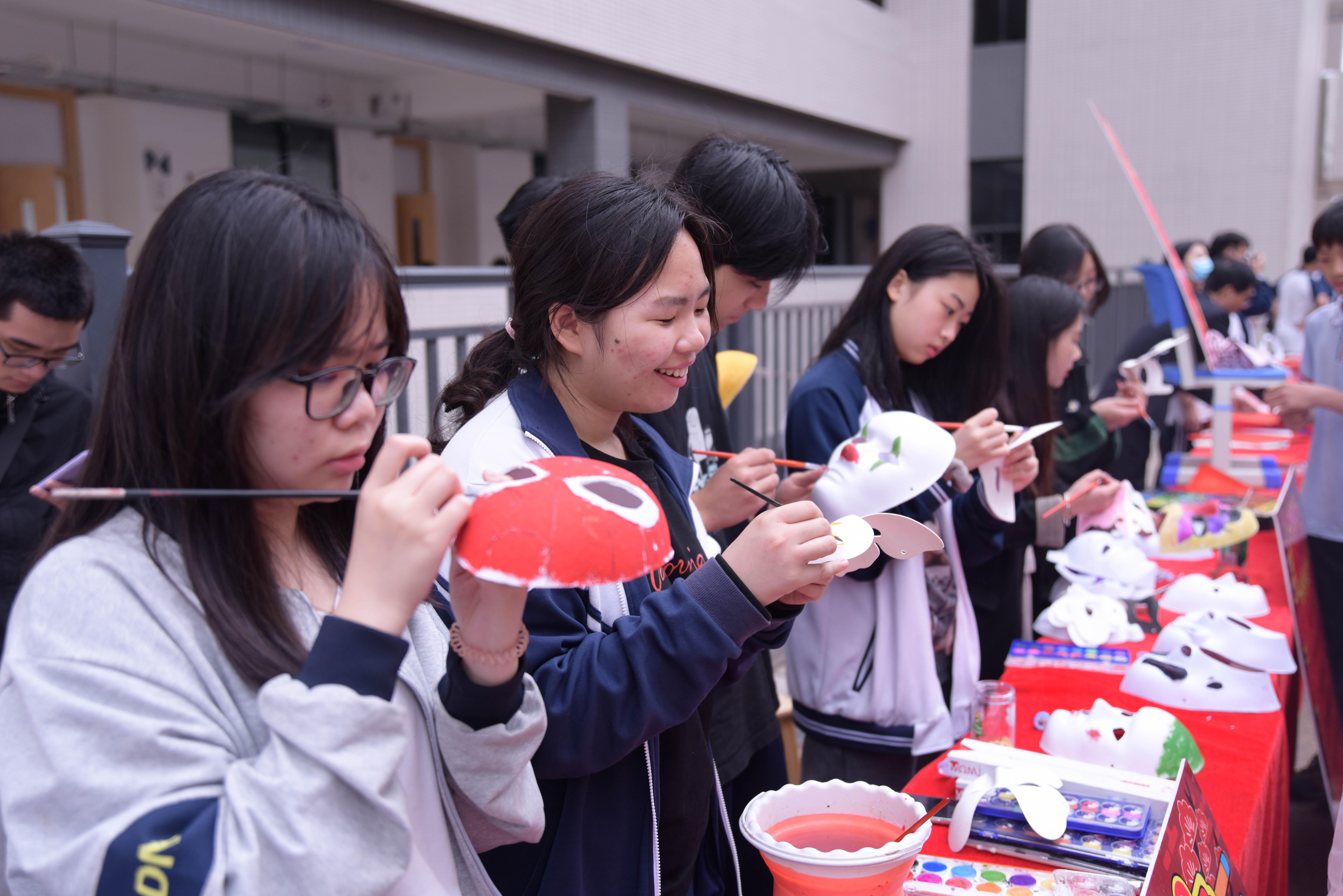 将地方美食与传统文化结合——广东河源黄冈实验中学举办特色闹元宵活动