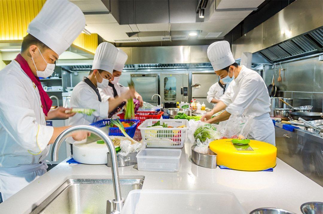 """食品安全最重要 维士数字饮食中央厨房严格把好""""入口""""关"""