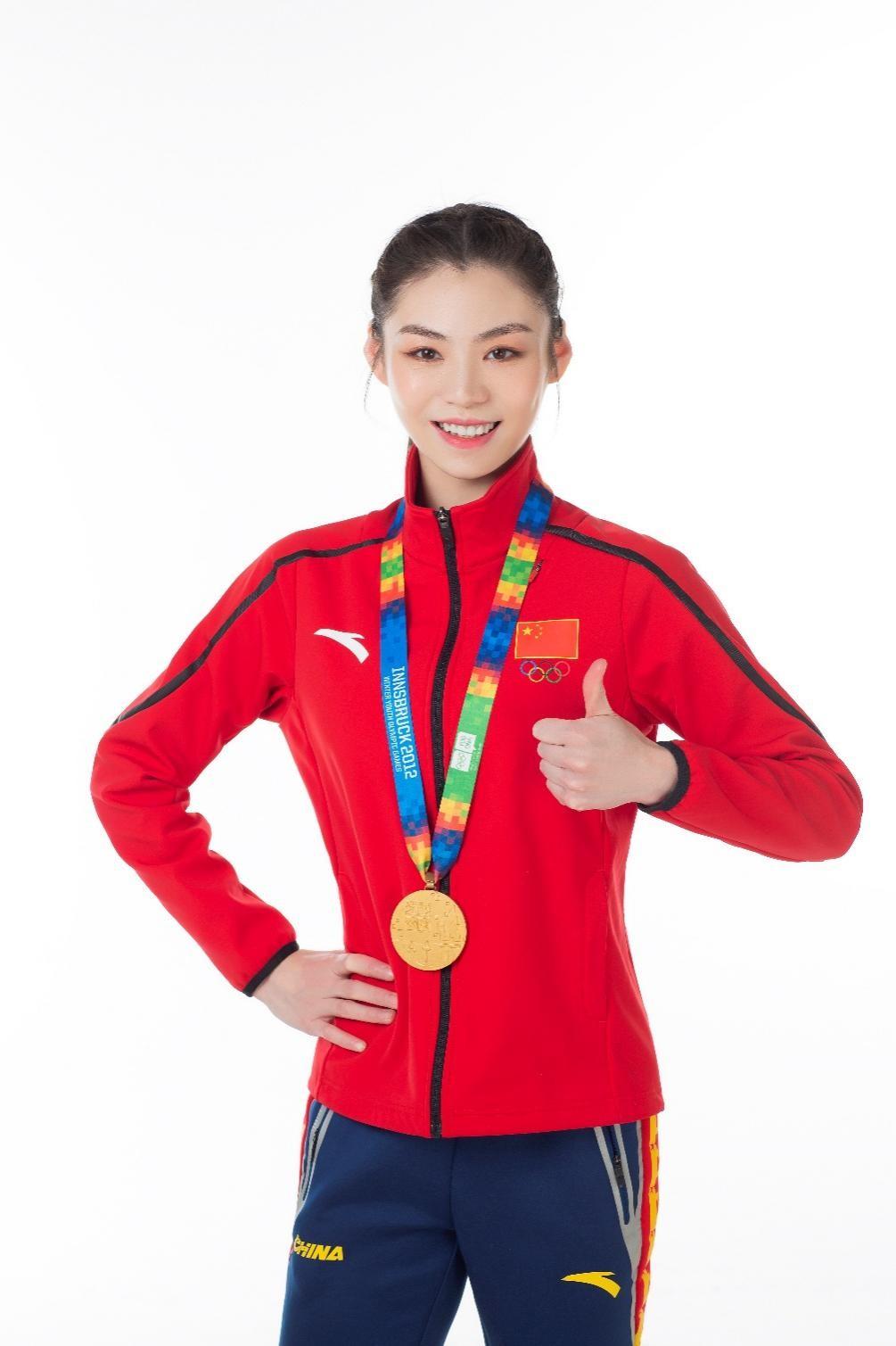 海兰一体机牵手奥林匹克花滑冠军于小雨打造冠军品质